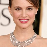 Actress Natalie Portman wears Tiffany's