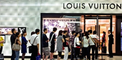 Chinese tourists Louis Vuitton
