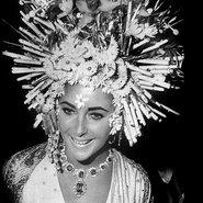 Elizabeth Taylor wearing Bulgari jewels