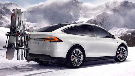 Tesla Model X 465