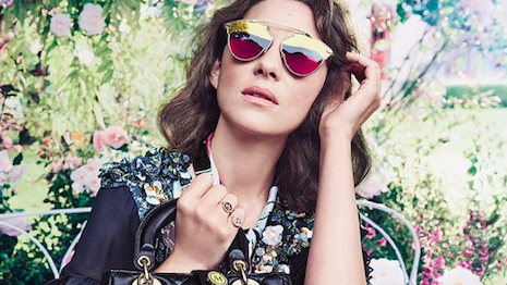 Marion Cotillard wearing Dior So Real sunglasses