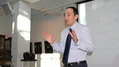 Stoyan Sgourev is professor of the management department at ESSEC Business School