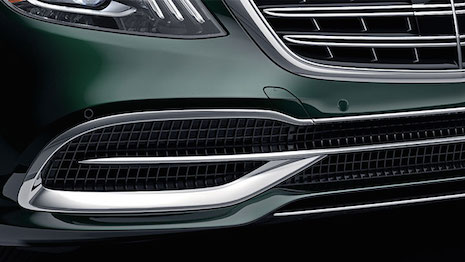 Stately, yet understated: Mercedes Maybach 2018 S Sedan grille and lights view. Image credit: Mercedes-Benz USA