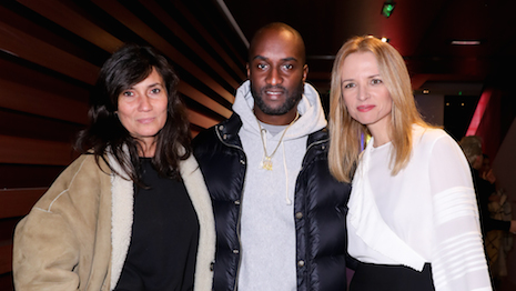 From left to right: Emmanuelle Alt, Louis Vuitton menswear designer Virgil Abloh and LVMH executive vice president Delphine Arnault at the LVMH Prize 2019 cocktail reception. Image courtesy of LVMH Prize. Photo © François Goize