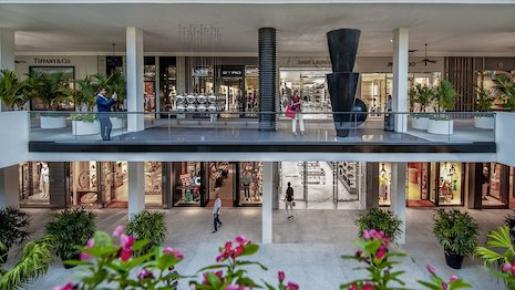 Center courtyard of Bal Harbour Shops outside Miami. Image courtesy of Bal Harbour Shops